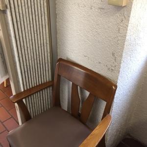 普通っぽい椅子ですが、座面が柔らかくて楽です。