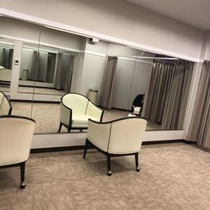 こちらの椅子を更衣室に入れて授乳しました
