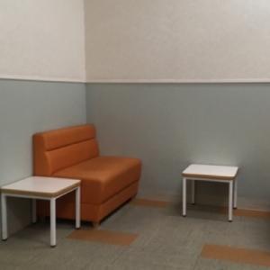 授乳室奥の個室ではない広いスペース。