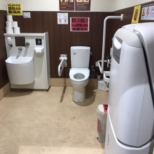 多目的トイレ内