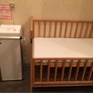 授乳室のオムツ替え台は1台です