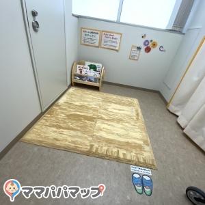 奥のプレイルーム、授乳室