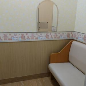 授乳室。ベビーカーごと入室可。