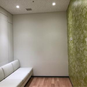 授乳室から見た、ベビーカー置き場。コロコロ椅子は無くなってソファ席でした。2019年9月撮影