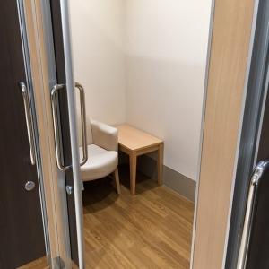 各個室、ベビーカーと入れるスペースがあります