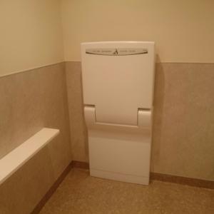 多目的トイレの中にあります