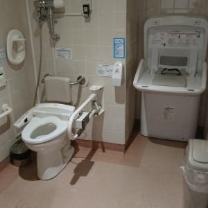 イトーヨーカドー 綱島店(多目的トイレ B1F)のオムツ替え台情報 画像2
