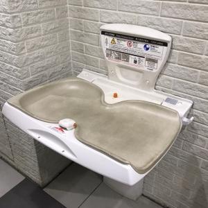 女性トイレ内にあります。