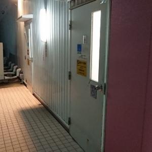 入り口はこんな感じです。雨の場合は雨ざらしです。
