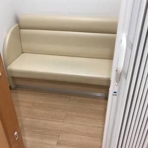 授乳室はアコーディオンカーテンが付いています