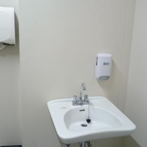 水道から冷水と温水が出ますが、温水はミルク用ではありません。