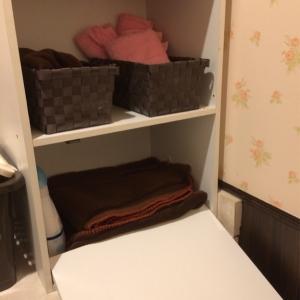 棚には毛布がありました。