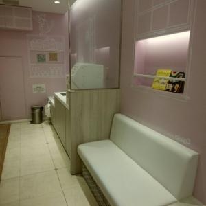サンシャインシティアルパ 2Fベビー休憩室の授乳室・オムツ替え台情報 画像1