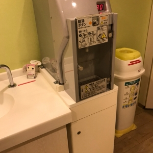 オムツのゴミ箱、調乳用のお湯もありました!