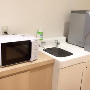 調乳スペース。お湯が使えて、電子レンジもあるのが有難い。