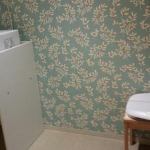 授乳室の中に電子レンジがあるのでパパは使えません…