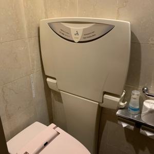 女子トイレに一台あります