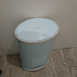 オムツ専用のゴミ箱