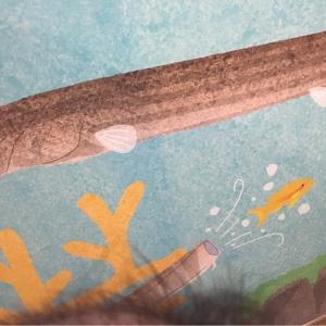 壁はお魚模様