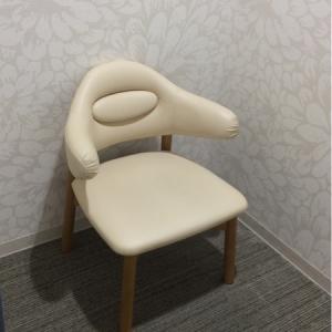椅子が一脚だけです