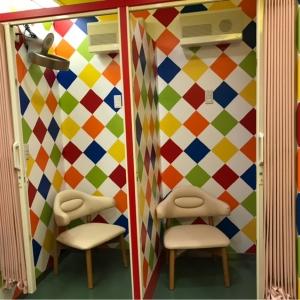 """個室は荷物置き場がなく、狭いです<span class=""""emoji emoji1f4a6""""></span>"""