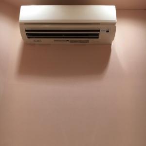 エアコンが目の前にあって涼しい