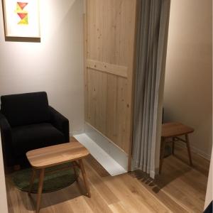 授乳室は全部で4席。1-1-2配列で真ん中の席はオープン。
