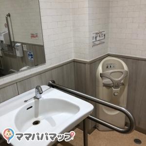 5階女子トイレ内