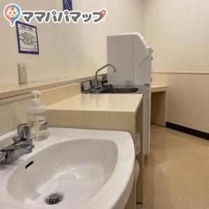 トイザらス・ベビーザらス 大阪鶴見店(4F)の授乳室・オムツ替え台情報 画像2