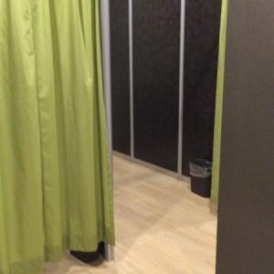 授乳室。カーテンで目隠しできます。