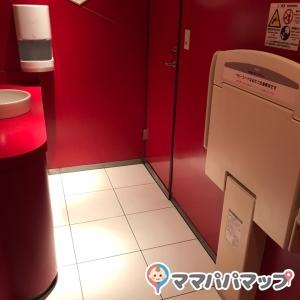 奥の女性トイレ