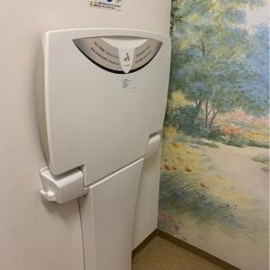 授乳室の中にオムツ交換台があります。
