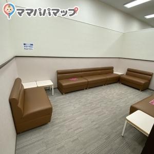 イオン久里浜店(2階 赤ちゃん休憩室)の授乳室・オムツ替え台情報 画像4