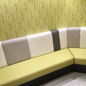 共同授乳スペースのソファ