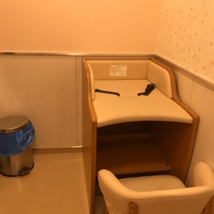 ブルメールHAT神戸(2F)の授乳室・オムツ替え台情報 画像2