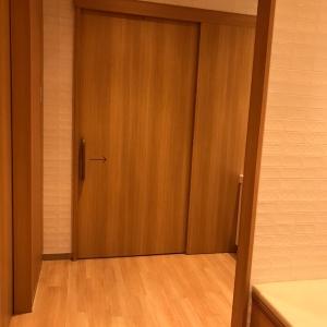 授乳室入口。しっかりした扉で区切られているので安心感あり。