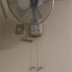 授乳室内に扇風機あり