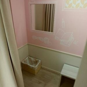 サンシャインシティアルパ 2Fベビー休憩室の授乳室・オムツ替え台情報 画像4