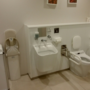 1階障害者用トイレ