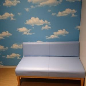 フライトオブドリームズ2階 授乳室の待ち合い用ソファ