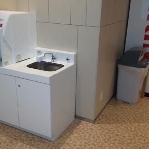 調乳用洗面台と給湯器
