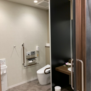 トヨタカローラ中京株式会社 太平通店(1F)のオムツ替え台情報 画像2