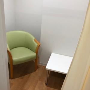 授乳室はシンプルですが個室で綺麗です