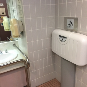 1階 参画センター女子トイレ