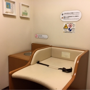 六本木ヒルズ(ウェストウォーク5F 個室授乳室)の授乳室・オムツ替え台情報 画像8