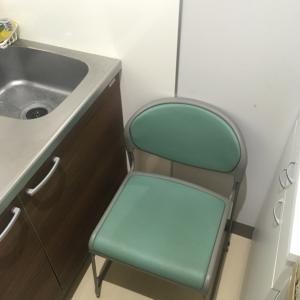 授乳室を使うときは事務所の職員さんにお願いしてイスを入れてもらうのがオススメ