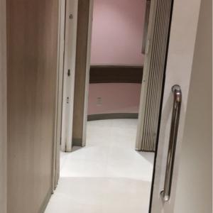 イオンモール成田(2F フードコート前)の授乳室・オムツ替え台情報 画像1
