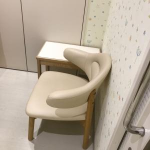 椅子(授乳室内)