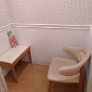 右側の授乳室