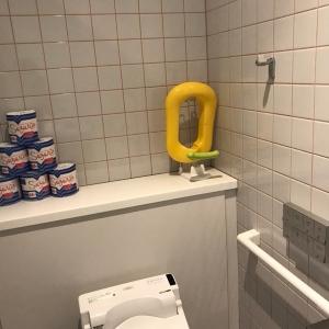 女性トイレ個室には2室とも補助便座あり